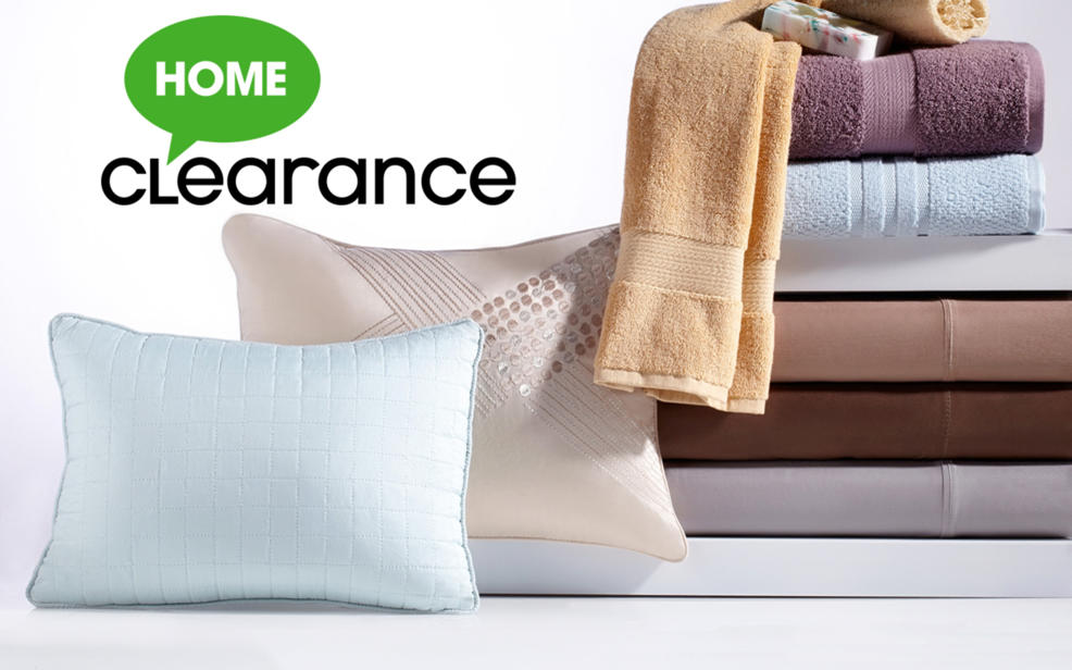 Home Clearance. Towels, sheets and pillows