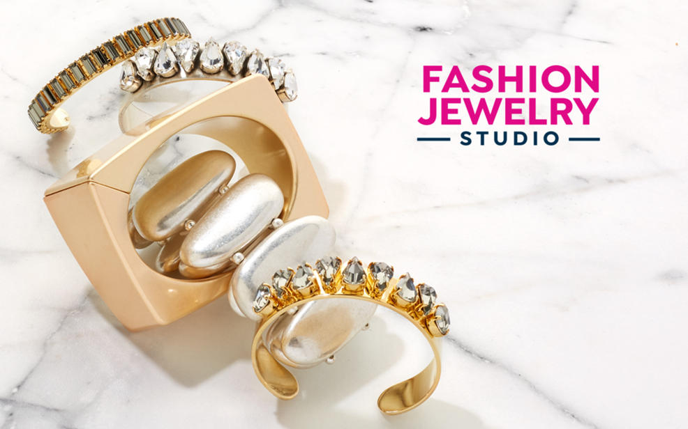 Fashion Jewelry Studio. Fashion rings and bracelets.