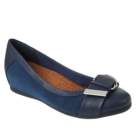 Baretraps® Nelly Posture Plus Hidden Wedge Slip-On Flat
