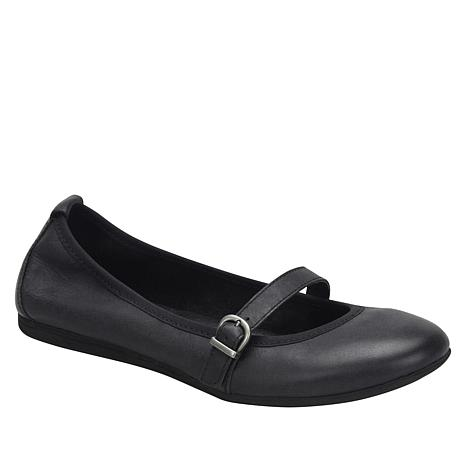 Born® Curlew Leather Flat