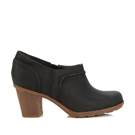 Collection by Clarks Sashlin Aleta Leather Shootie
