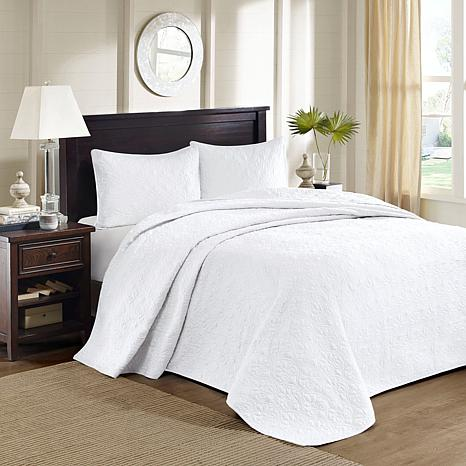 Madison Park Quebec Queen Quilted Bedspread Set White