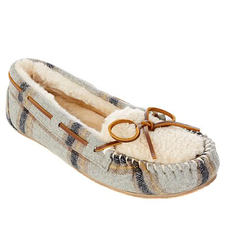 Minnetonka Plaid Cozy Lined Slipper with Gift Bag ...
