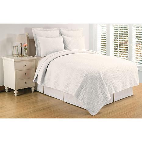Regent White Twin Quilt Set
