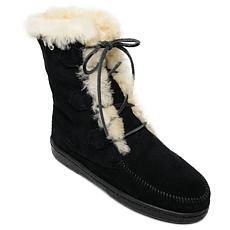 Minnetonka Juniper Sheepskin Boot