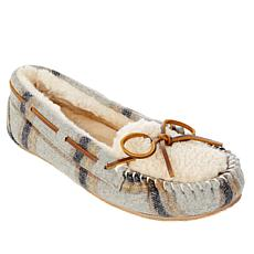 Minnetonka Plaid Cozy Lined Slipper with Gift Bag