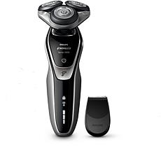 Philips Norelco Series 5500 Rechargeable Wet/Dry Shaver