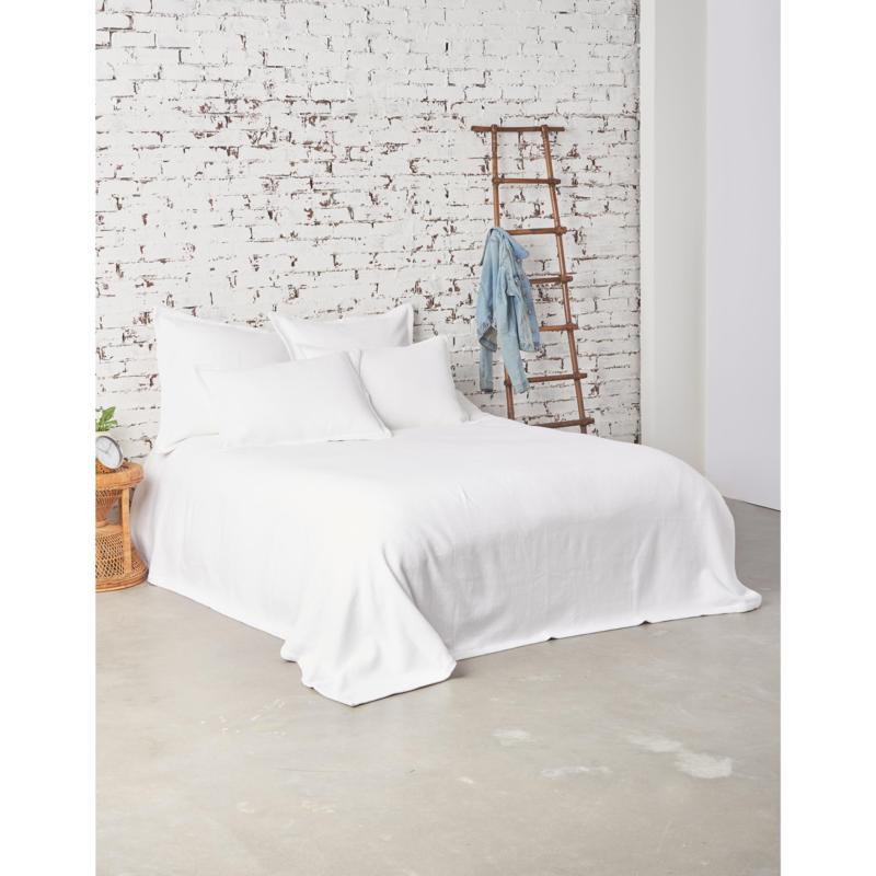 Monroe White Queen Blanket