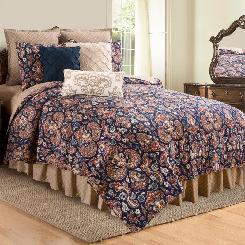 Rosamund Damask Full/Queen Quilt Set