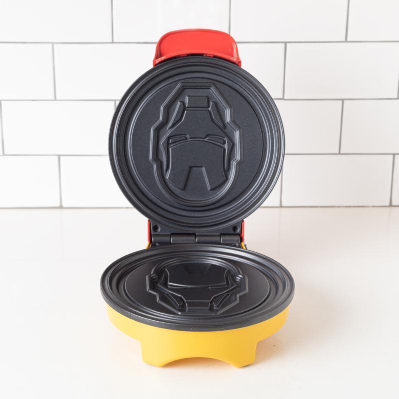 Uncanny Brands Marvel Iron Man Waffle Maker - Shellhead's Helmet